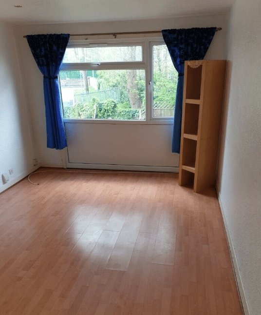 4 BEDROOM TERRACED HOME, NORTON CLOSE, SMETHWICK, DSS ACCEPTED